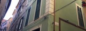 ALBENGA - CENTRO STORICO - TRILOCALE CON TERRAZZO
